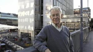 Stadskildrare. I över 40 år har Anders Wahlgren följt och berättat om miljonprogramsområderna. Foto: Pressbild