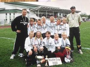 2001 vann Emmas lag Hudik Cup.