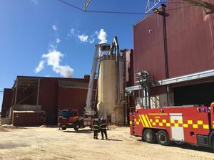 Till en början var man orolig för att branden skulle sprida sig till pelletsfabriken.