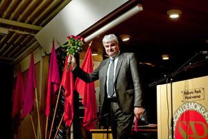 Socialdemokraternas ledare Håkan Juholt kommer till Gävle i dag för att träffa sina partikamrater.