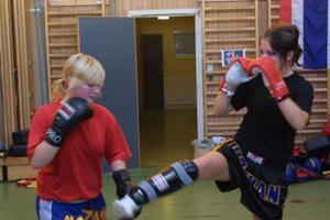 Matilda Norberg, Bergsjö, och Evelina Jakobsson, Stocka, i träning.
