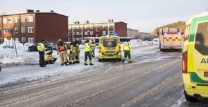 En 12-årig flicka påkördes på fredagsmorgonen av en personbil.
