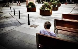 Ensam tillsammans. Det nya Stortorget har känslan av vardagsrum. Ett rum för individen, inte kollektivet.