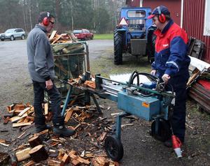 Stig Hedlund och Stefan Melin jobbar i den dagliga verksamheten i Utvik.