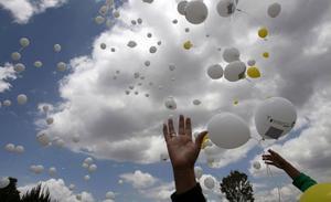 En manifestation från Ecuador i augusti, för unga som dött i cancer.