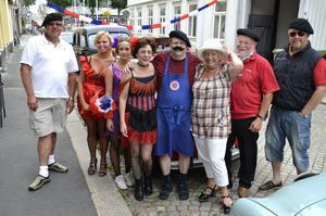 Ove Forsell, Marianne Ohron, Clara Ludvigsson, Elleonora Andersson, Ulf Ludvigsson, Kristina Johansson, Bror Sköld och Tommy Johansson var bara några av de som under dagen firade Frankrikes nationaldag.