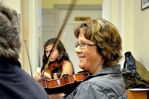 Musikalisk. Maria Andersson spelar saxofon i en blåsgrupp på musikskolan, och tyckte det var roligt att prova på något annat.
