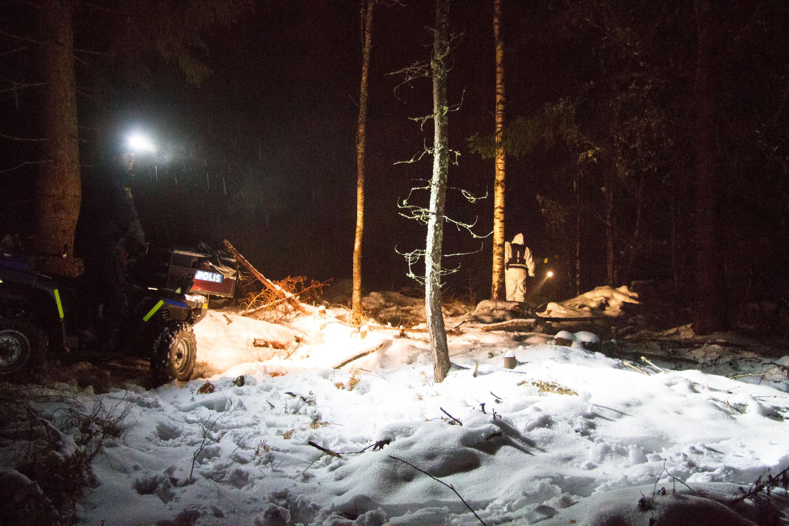 82 aring hittad efter dygn i skogen