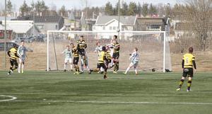 Det spelades fint försvarsspel från båda lagen i derbyt.