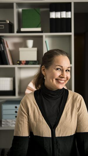 Proffs på ordning. Nina Strandberg ärordningskonsult och driver företaget Iordning som hjälper privatpersoner att få kontroll över röran.