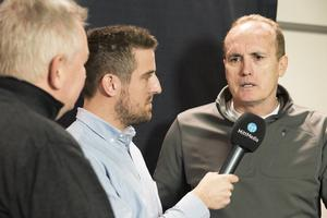 Per Hägglund och Mikael Nordstrand fick ett långt snack med Modos nye coach Larry Huras som bland annat pratade inställning, offensiv ishockey och om att NHL är ganska tråkigt. Bland annat.