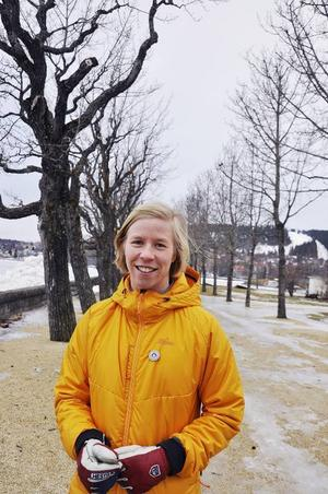 Den yngsta och första kvinnliga certifierade bergsguiden i Sverige heter Sara Widell.