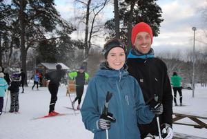 Hanna Ljungberg och Andreas Persson hade åkt hela vägen från Stockholm för att skida i Tveta.