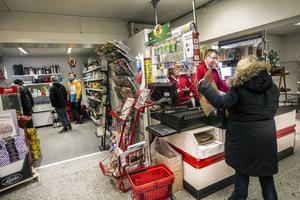 Losborna är trogna sin handlare, en förutstättning för att butiken ska kunna överleva.
