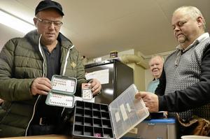 Kroktillverkare. Christer Cederborg gör krokar till klubben och andra. Däribland Rolf Nordqvist och P-O Eriksson.