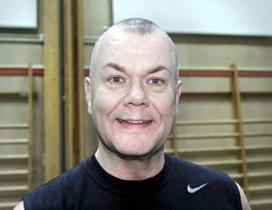 Gunnar Mätlik kunde konstatera att Vallbacksskolans gymnastiksal är mindre än Fjärran Höjders.