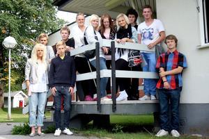 Färskingar. Några av förstaårseleverna, som var de enda eleverna på Alléskolan i går.