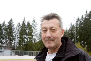 Kenneth Arvidsson är besviken över att ungdomarna som brukar gå till fritidsgården i Hedesunda blir utan lokal efter årsskiftet.