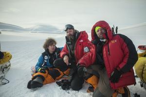 Filmare Peter Mattsson jobbar bland annat med ett projekt om äventyraren Aron Anderson. Här på Svalbard.