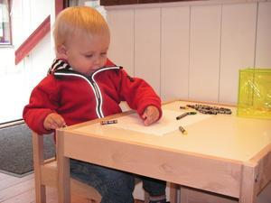 Widmark, 1½ år, var den yngsta konstnären i tävlingen. Bild: Privat