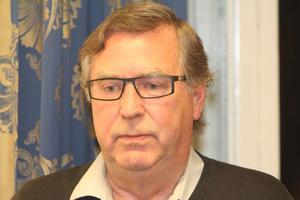 Public Service - forskaren och författaren Göran Elgemyr kallar sig