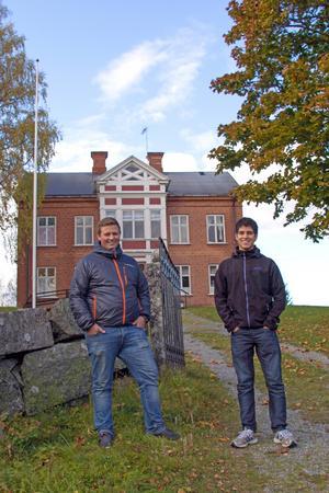 På höstlovet kommer 19 unga att få chansen att åka på höstlovskollo i Kyrkbyn. Det har Oskar Nilsson och Filip Jifjäll Lantz sett till.