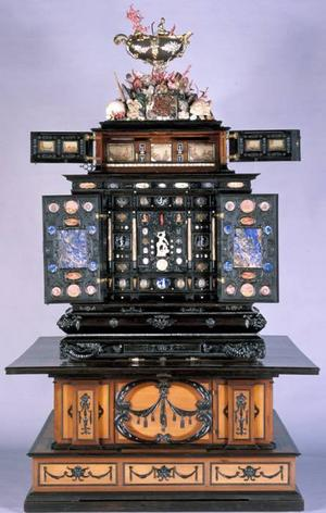 Augsburgska konstskåpet. Kunskapsbank årsmodell 1630.Foto: Gustavianum/Uppsala universitet