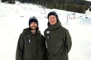 SM-generalen Linus Johansson till höger och hans