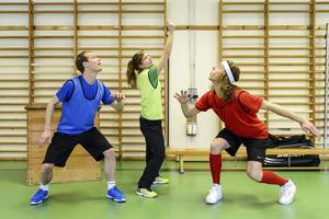 Jens Nilsson, Fia Forslund och Markus B Almqvist i sportkoreografi.