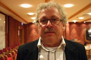 Erik Thunefors (C) anser att inresta knallar inte ska subventioneras på beskostnad av lokala handlare.