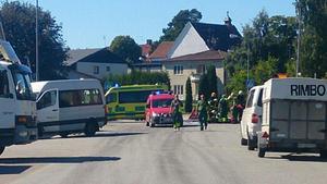 Räddningspådraget var stort efter mc-olyckan i Rimbo.