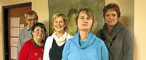 Sören Johansson (KD), Margaretha Gadde-Jennische (M), Anne Stockenberg (MP), Marie Wilén (C), Anna Bengtson (FP). Alliansen i Heby har bildat koalition med Miljöpartiet. Foto: Ulrika Isaksson