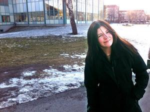 Hanna Svedlund-Ståhl bor i närheten av Parkbadet och tycker att det skulle ha varit roligt med en bangolfbana vid badet.