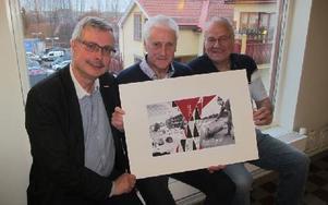 Ola Lindbärg, Bo Andersson och Sören Nyström är männen bakom nya bilderboken om Borlänge på 50-talet. Foto: Roland Engvall