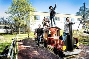 Bandet Psychedelic Bananas på väg mot Livekarusellens riksfinal i Karlstad.