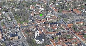 Här ska byggas nytt. Den gröna pricken på bilden visar var.