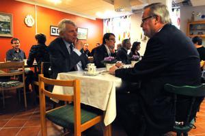Rolf Åbjörnsson samtalade med kommunalrådet Per-Anders Westhed.