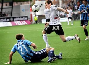 Tommy Wirtanen och Djurgårdens Joel Perovuo.