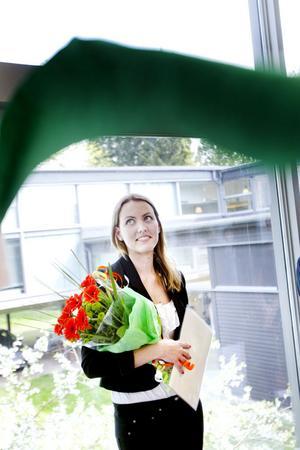 Chatrine Jonsson fick i går ta emot Edsbyverkens stipendium på 15 000 kronor.– Jag ska resa för en del av pengarna. Det var länge sedan sist, säger hon.