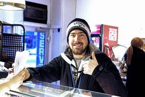 Kalle Peter var en av många som köpte en semmelwrap under fredagen.
