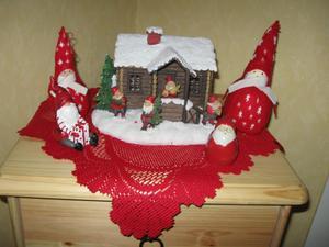 Hemma hos oss är det jul i varje vrå