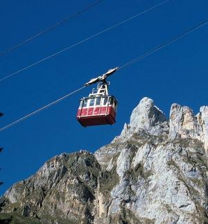 Gamla kabinbanan upp mot Picos de Europa – och en av de mest genuina och bästa.Foto: Tourspain