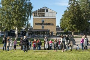 Populära vandringar. I september hålls ytterligare tre historiska föreställningar om det gamla sinnessjukhuset vid Sidsjön.
