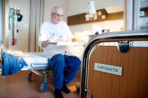 Efter en trolig kärlkramp lades Gösta Olofsson in på hjärtenheten på Östersunds sjukhus.   Foto: Sandra Högman
