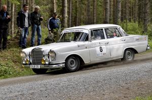 Gunnar Dackevall i en Mercedes 220 SE, specialsträcka 7 Striberg.