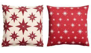 Piff till soffan eller fåtöljen. Julmönstrade kuddfodral, 99 respektive 49:90 kronor på H&M Home.