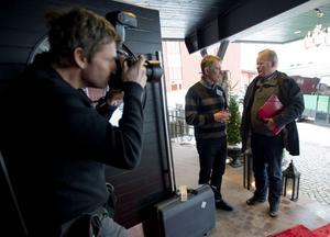 I fotografen Ulf Palms fokus - och i samtal med Folk och Försvars generalsekreterare Lars Ekeman.