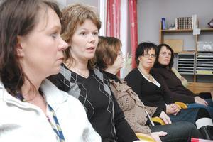 Lollo Cogrell, Ann-Kathrine Olofsson och deras kollegor vill ha ett besked om hur det blir med deras scheman i framtiden.