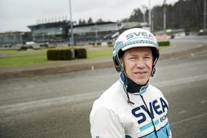 Med 6 000 travloppssegrar såväl i Sverige som utomlands är Örjan Kihlström en av Sveriges mest vinstrika travkuskar.