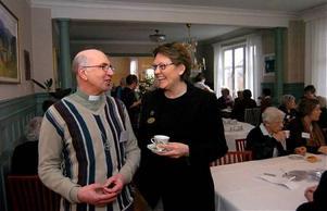 Ninni Smedberg, som samtalar med Bo Karlsson, är nöjd med Svanenmärkningen.